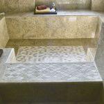 Big bath with scale-shaped mosaic