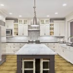 Big traditional kitchen with island