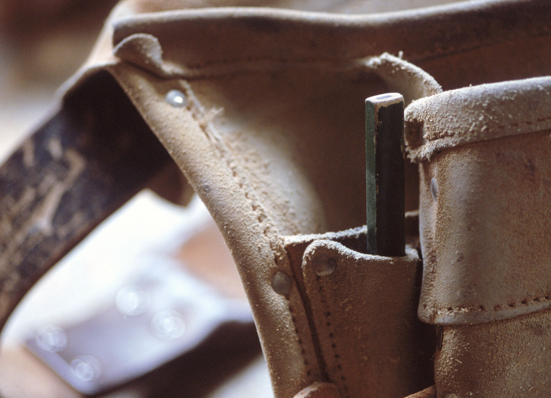 Leather tool belt for construction projects