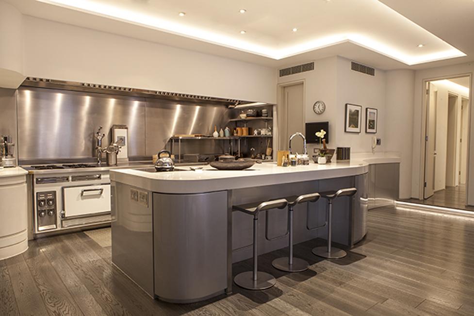 Creating Luxury Interiors : The Kitchen - Annabella Nassetti